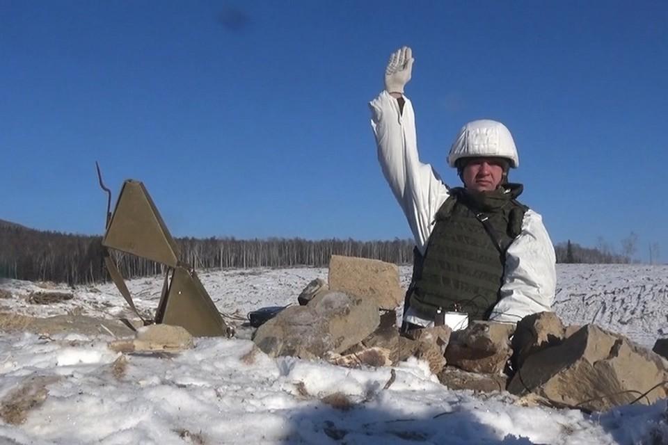 Военные начали взрывать оползень на реке Бурея в Хабаровском крае