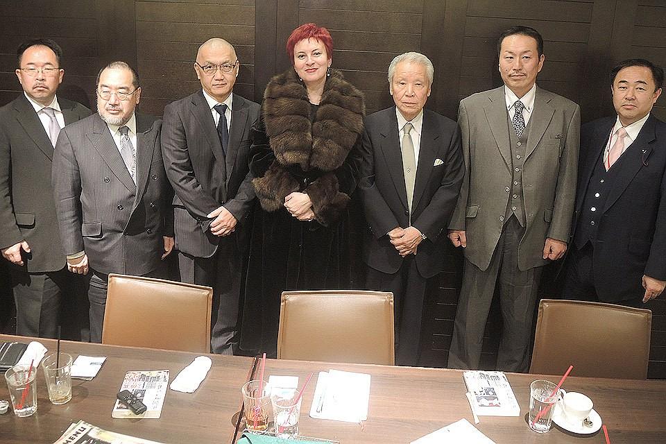 Из-за потерянных территорий японцы отрезают себе пальцы
