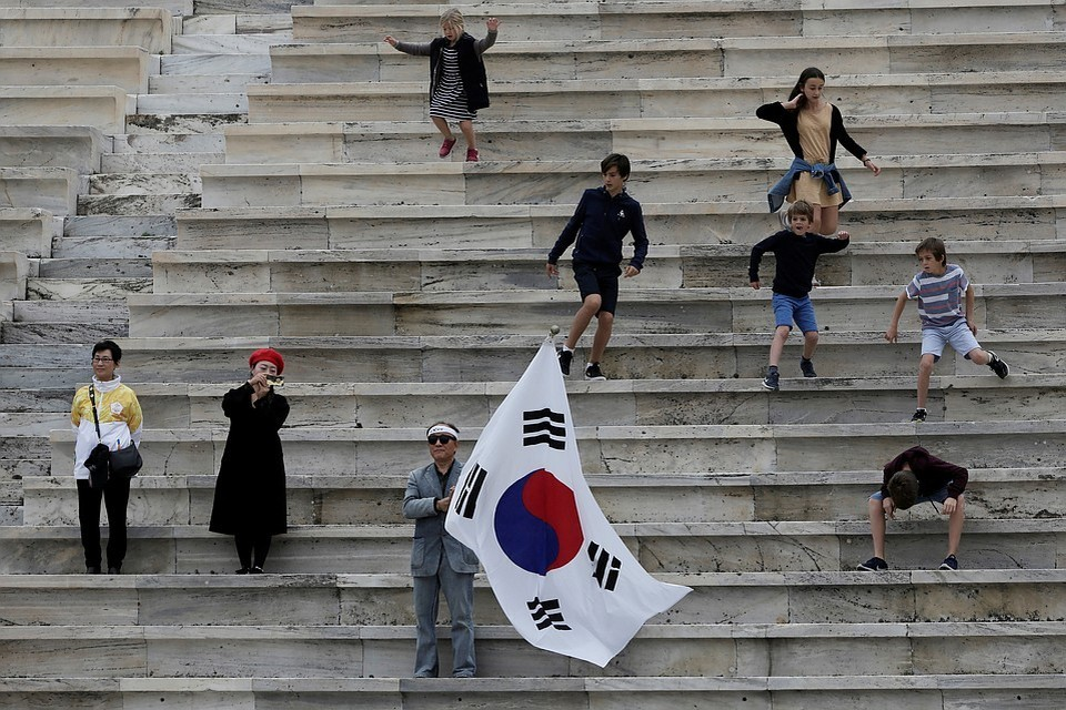 В Южной Корее выдали ордер на арест бывшего члена верховного суда