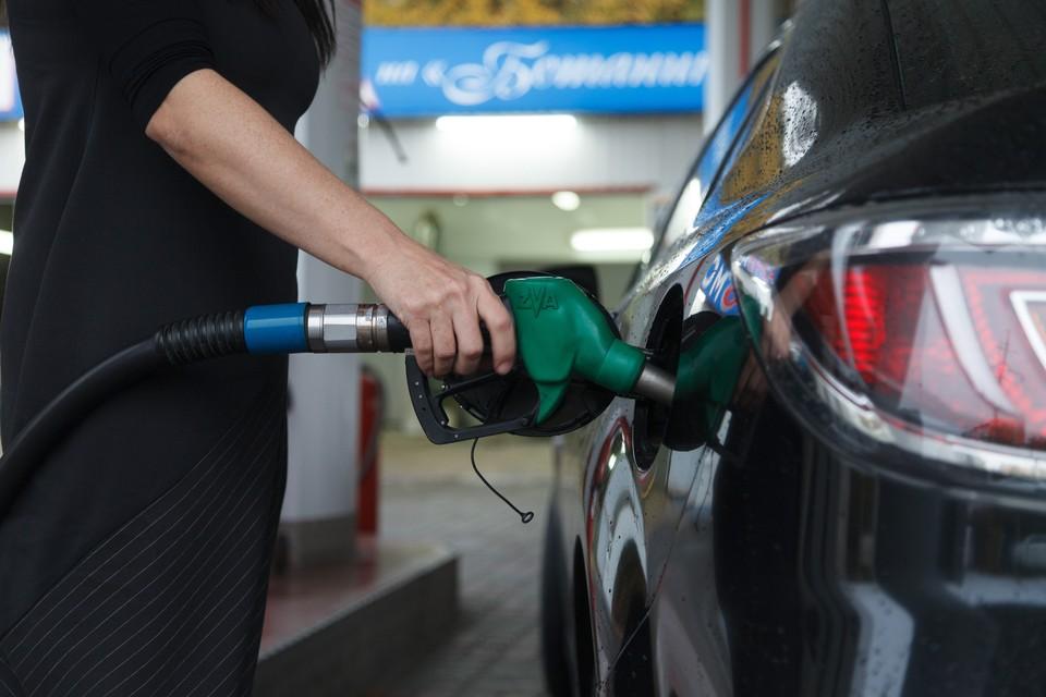 На Северном Кавказе бензин в среднем немного дороже, чем по стране. А зарплаты — меньше