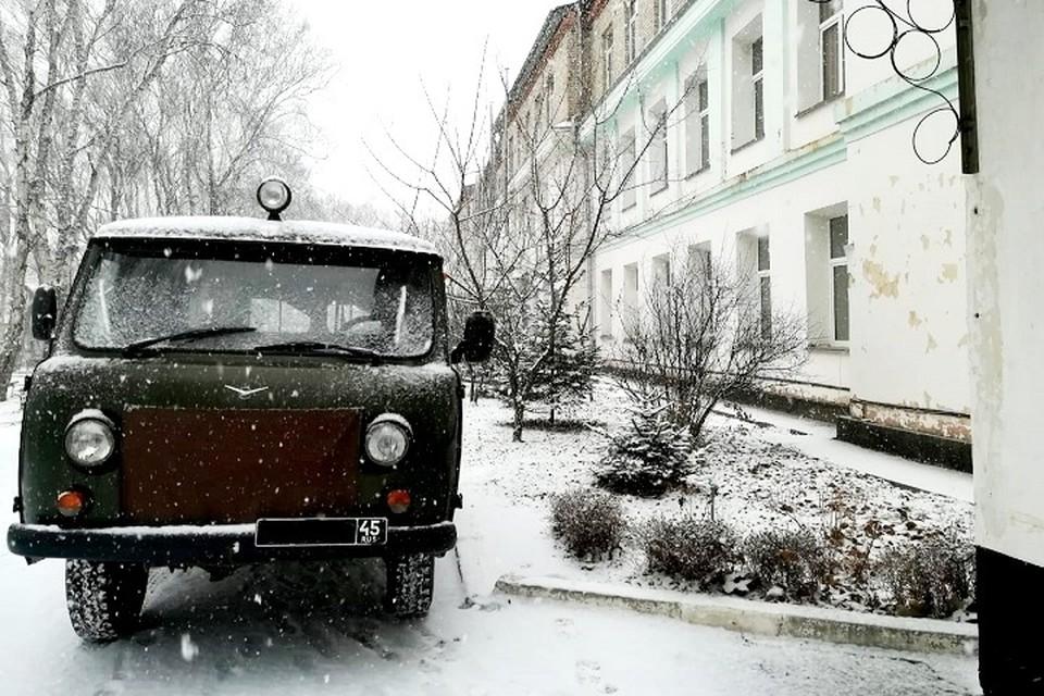 Снег в городе Фокино начался стремительно и за короткое время засыпал весь город. Фото: читатель «Комсомолки».