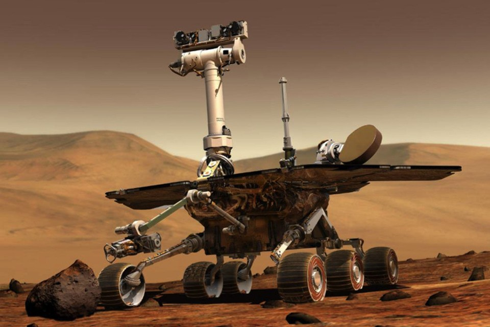 По по погибшему марсианскому роверу, проработавшему на соседней планете почти 15 лет, скорбят не только в NASA.