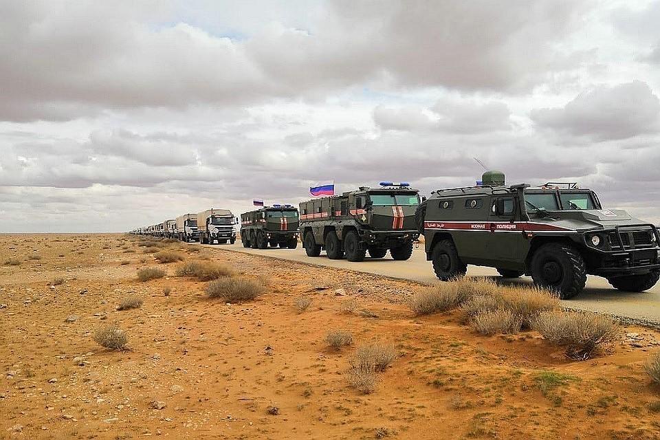 """При содействии России в Сирии состоялся второй гуманитарный конвой в лагерь """"Эр-Рукбан"""""""