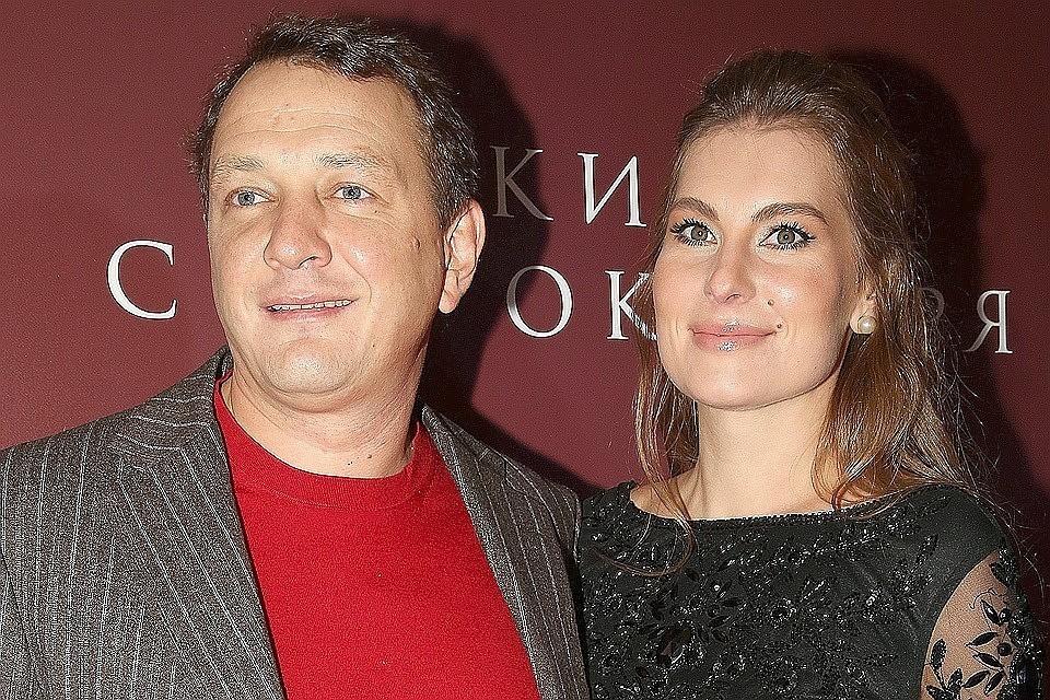 Марат Башаров накануне Нового года избил свою супругу Елизавету