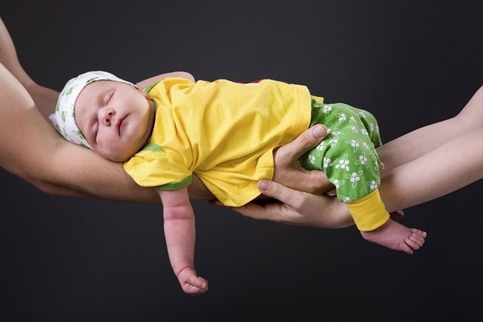 Единственное, о чем мечтают молодые родители, так это выспаться