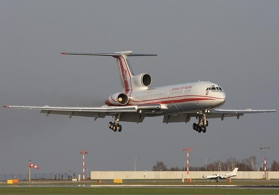 В тот день экипаж польского правительственного самолета хотел сесть под Смоленском во что бы то ни стало...