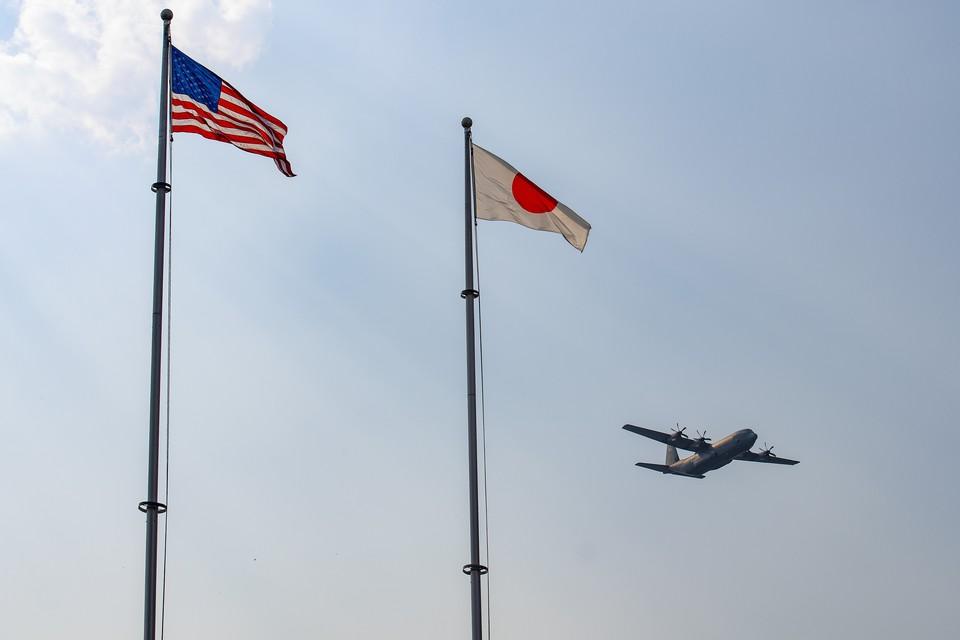 На военной базе США в Японии неизвестные устроили взрыв