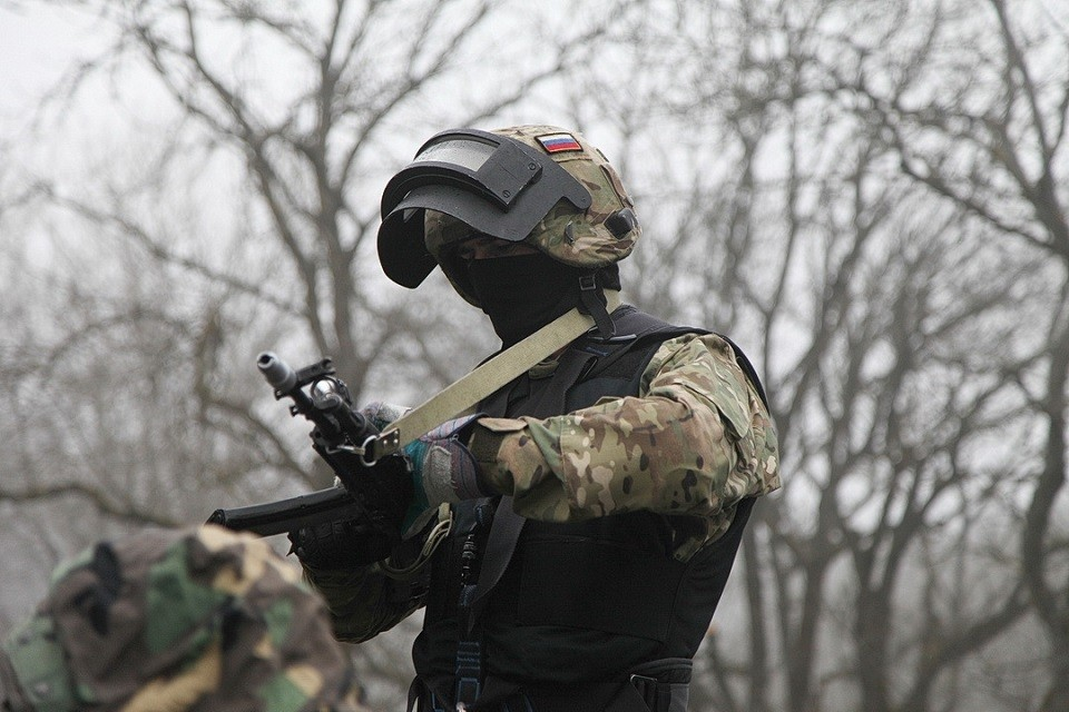 Спецназ обезвредил и задержал предполагаемого боевика