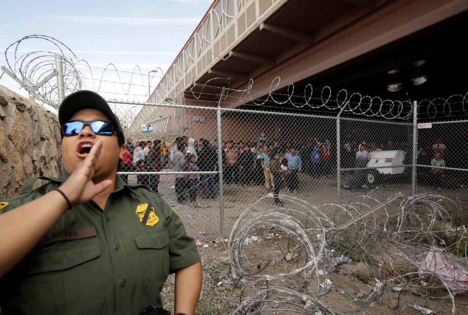 Трамп пригрозил закрыть границу с Мексикой из-за наплыва мигрантов