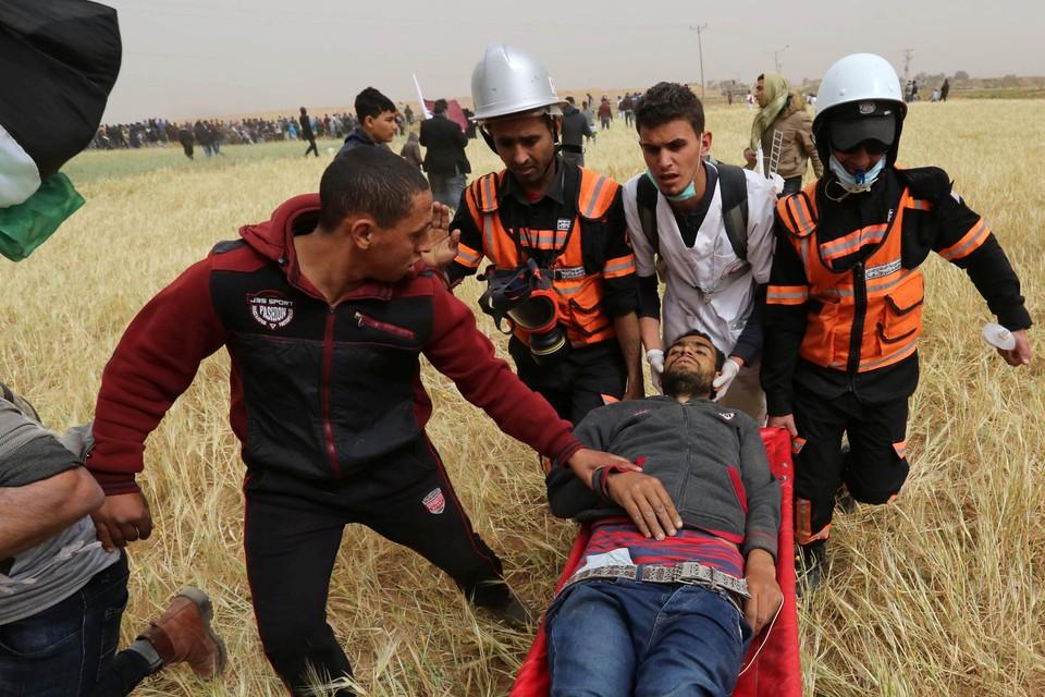 Минздрав Палестины сообщил о более чем 300 раненых в столкновениях с израильскими военными в секторе Газа
