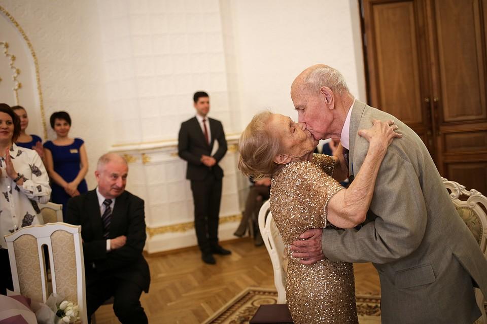 51c1680a1a71f0c Супруги Зверевы из Нижнего Новгорода отметили «Благодатную свадьбу»