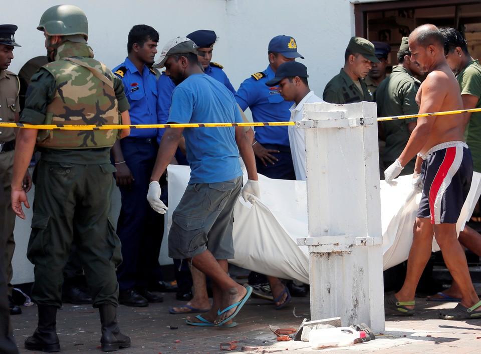 35 иностранцев погибли при взрывах на Шри-Ланке