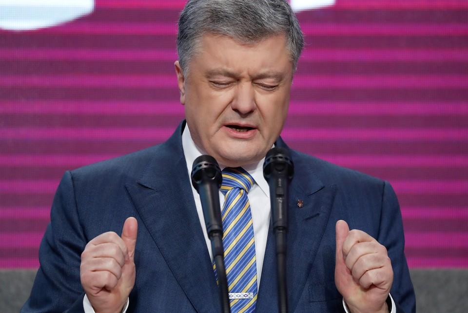 Команда Порошенко разбежалась от своего лидера; и он проиграл.