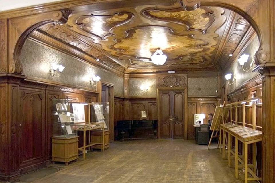 Музей Владимира Набокова находится в Санкт-Петербурге, на Большой Морской, 47.