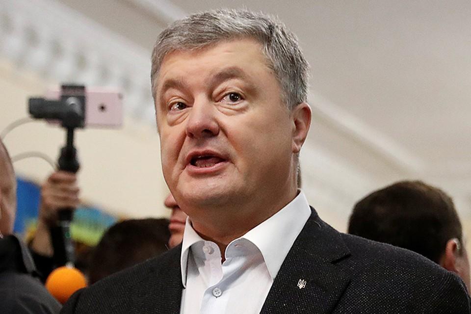 Хотя Петру Порошенко еще больше месяца оставаться у власти, самые мобильные члены его команды уже навострили лыжи с «тонущего корабля»
