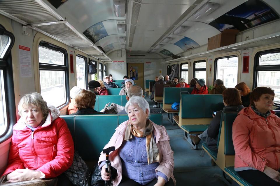 В Петербурге льготники смогут круглый год бесплатно ездить на электричках
