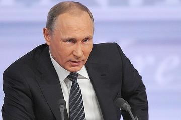Владимир Путин прибыл в кампус ДВФУ на встречу с Ким Чен Ыном