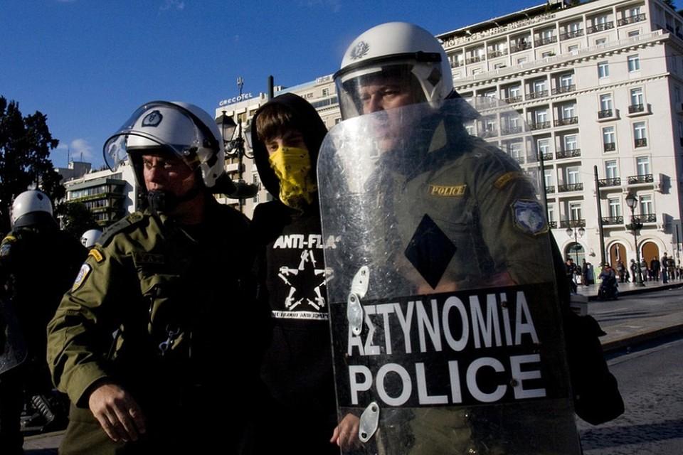 Анархисты атаковали резиденцию посла США в Афинах