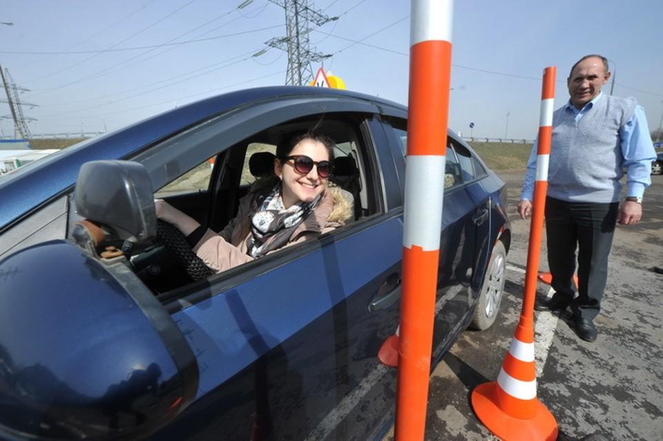 В Псковской области проверяют качество подготовки водителей в автошколах.