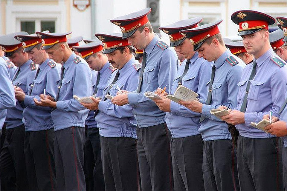 Верховный суд РФ признал законным запрет полицейским проводить отпуск за границей