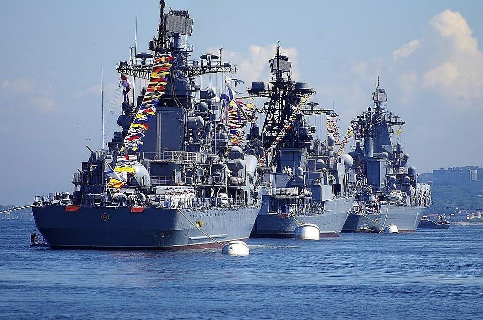 Крейсер США пересек курс российскому кораблю в Восточно-Китайском море