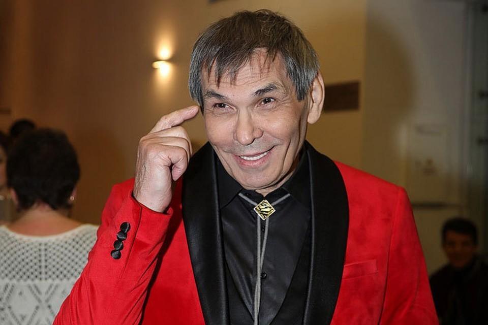 Бари Алибасов выписан из Склифа, где провел почти две недели.