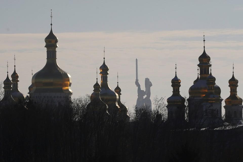 В Киеве приняли к рассмотрению иск о регистрации «новой церкви»