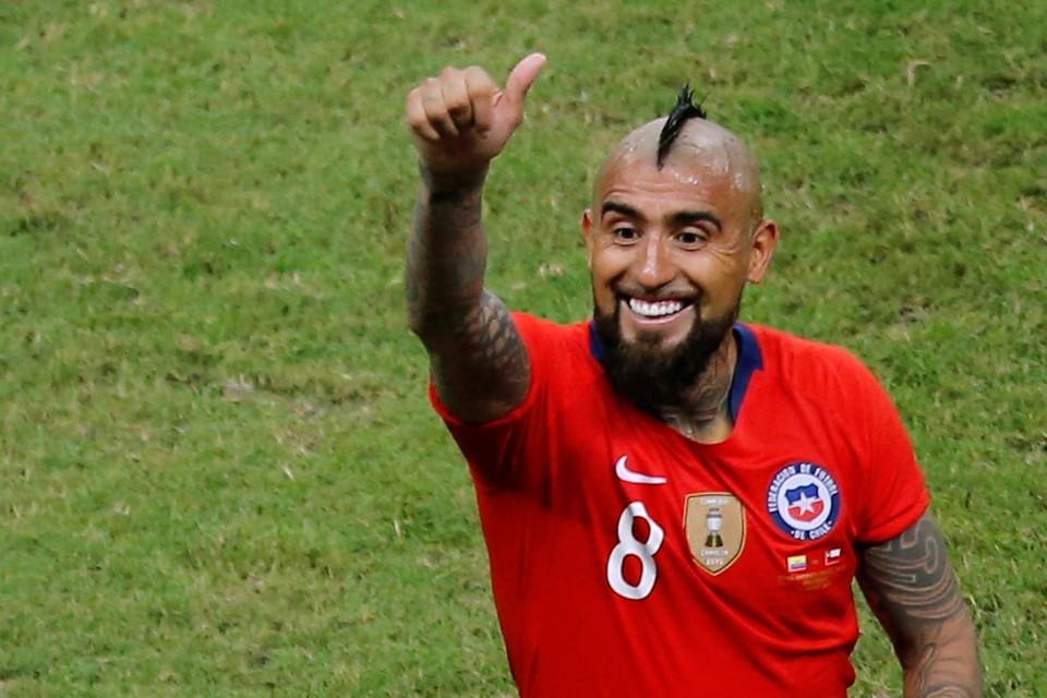 Сборная Чили выиграла два матча на Кубке Америки и вышла в плей-офф турнира.