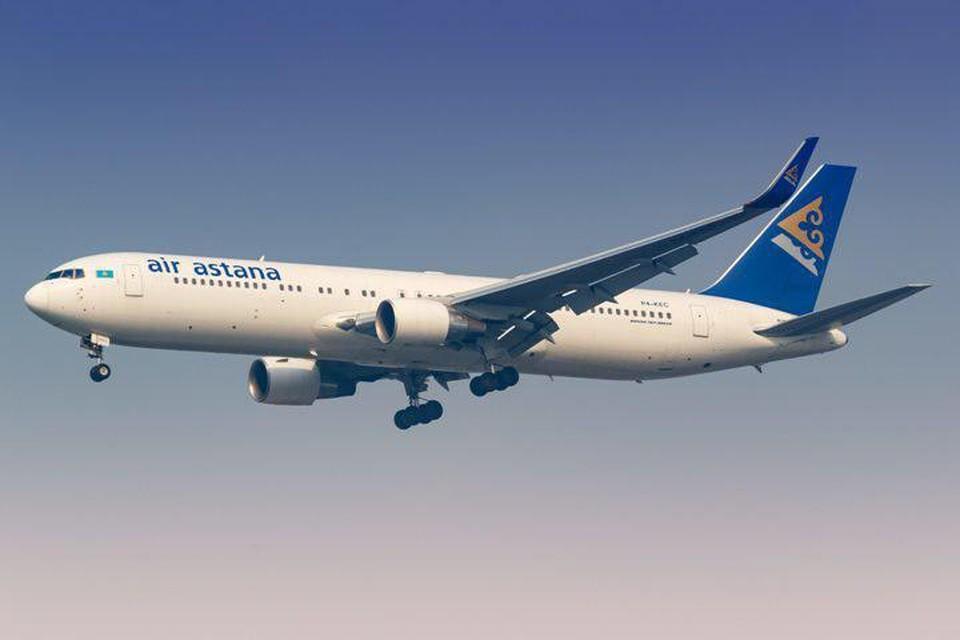 Самолет Air Astana совершил вынужденную посадку в аэропорту Москвы