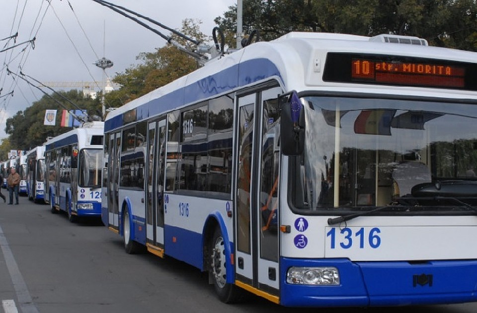 В Кишиневе на двух центральных улицах появятся полосы движения, предназначенные только для общественного транспорта