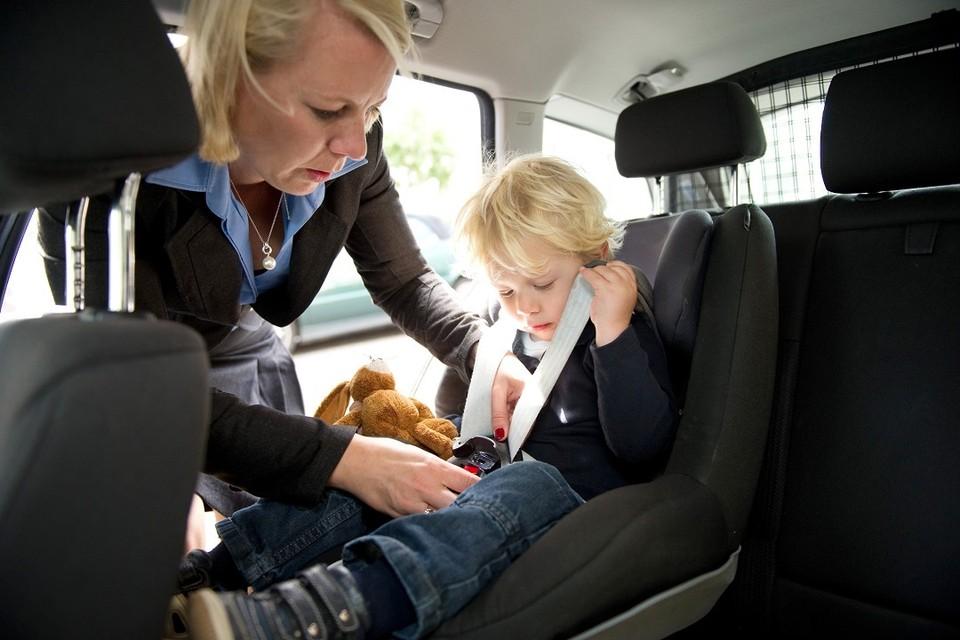 Эксперты дали советы, как перевозить детей в автомобиле