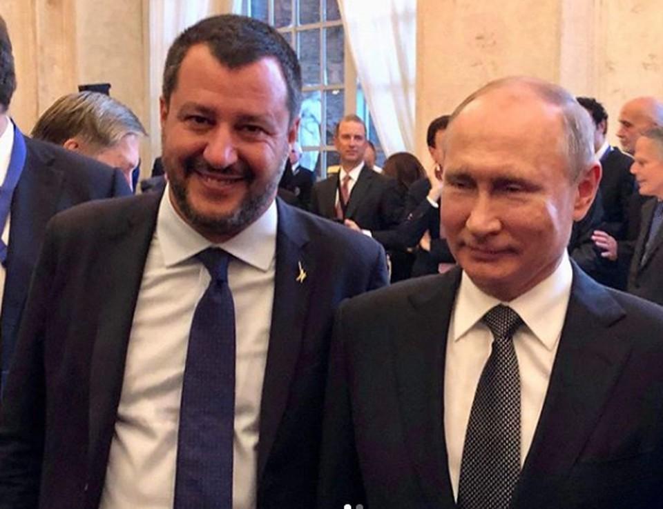 Вице-премьер, министр внутренних дел Италии Маттео Сальвини опубликовал в своем Instagram фото с президентом России Владимиром Путиным