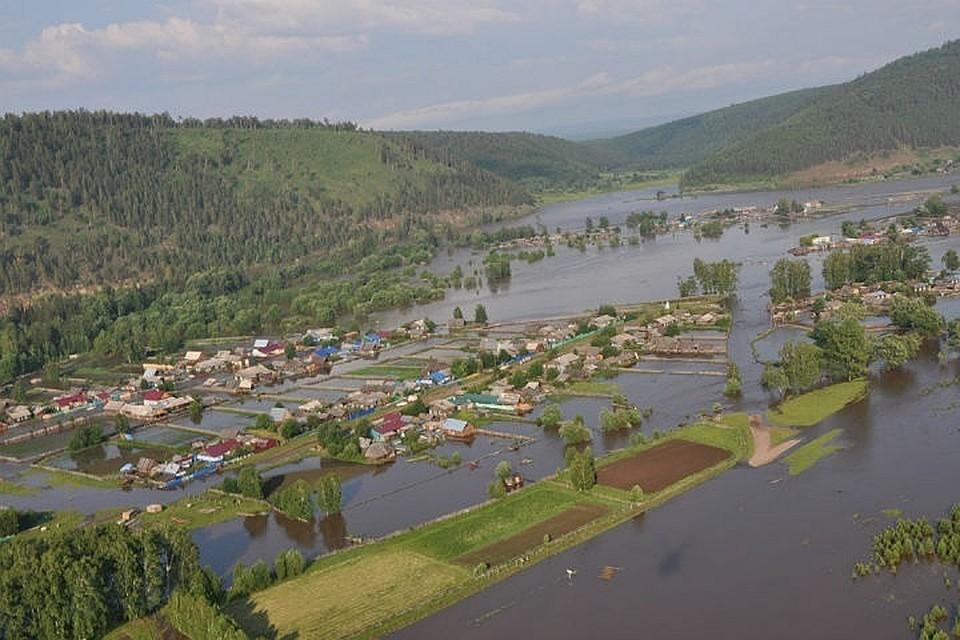 Наводнение в Иркутской области: в зоне затопления поймали пятерых мародеров.