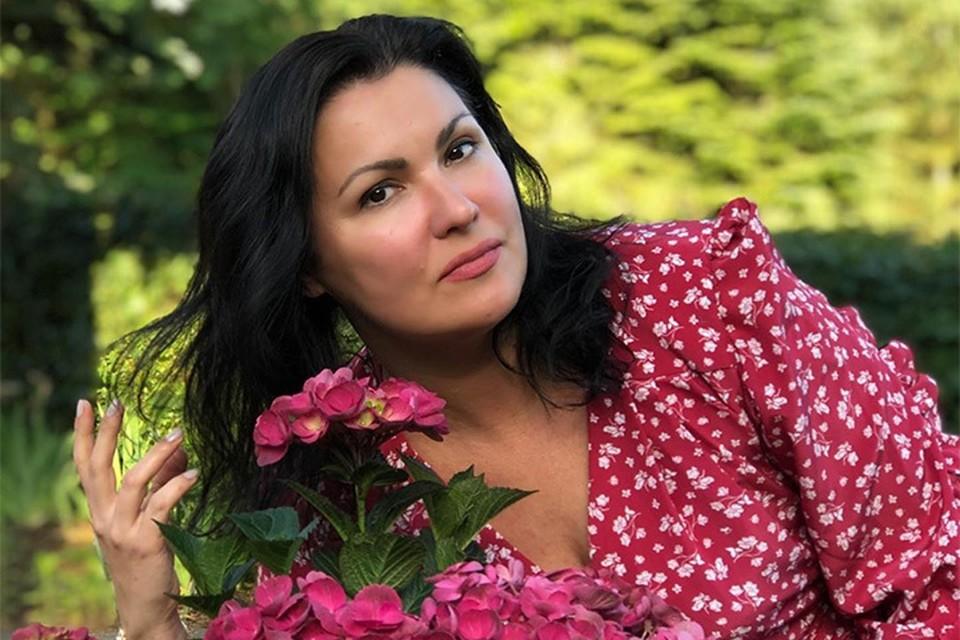 Анна Нетребко проводит отпуск с семьей в Италии. Фото: instagram.com/anna_netrebko_yusi_tiago