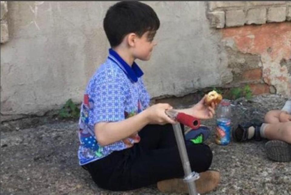 Как говорят соседи, потерявшийся 8-летний мальчик - добрый и общительный. Фото: личный архив.