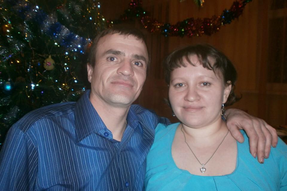 Недавно Оксана и Тимур отметили годовщину свадьбы.