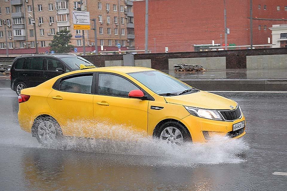 На Москву обрушился сильный ливень