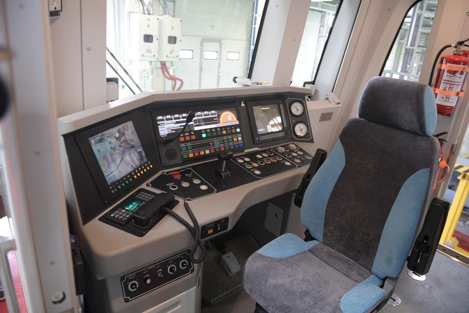 Москвич доехал из Петербурга в столицу через сервис BlaBlaCar, но в кабине машиниста поезда