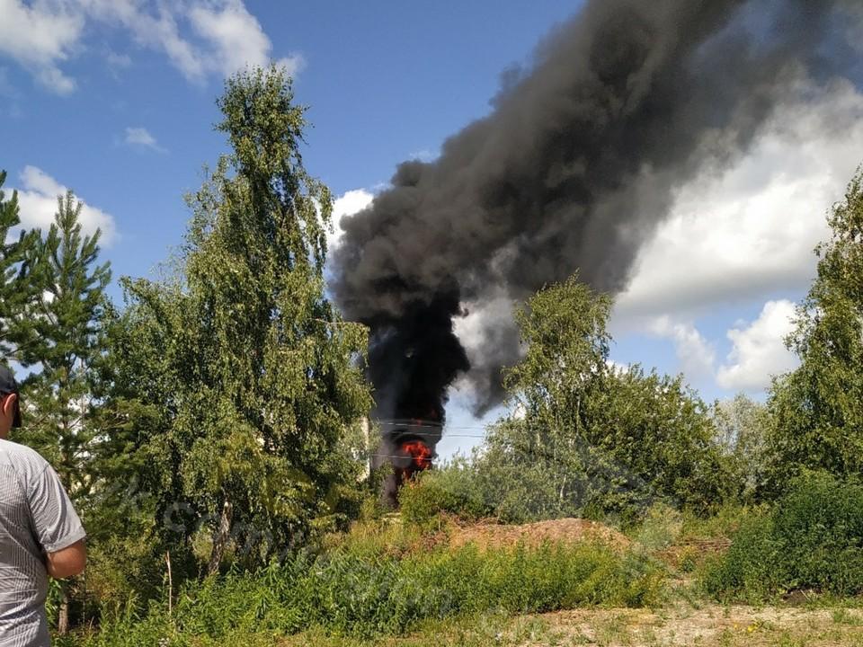 Пожар начался в 11 часов. Фото: группа «Регион-74   Челябинск» во ВКонтакте