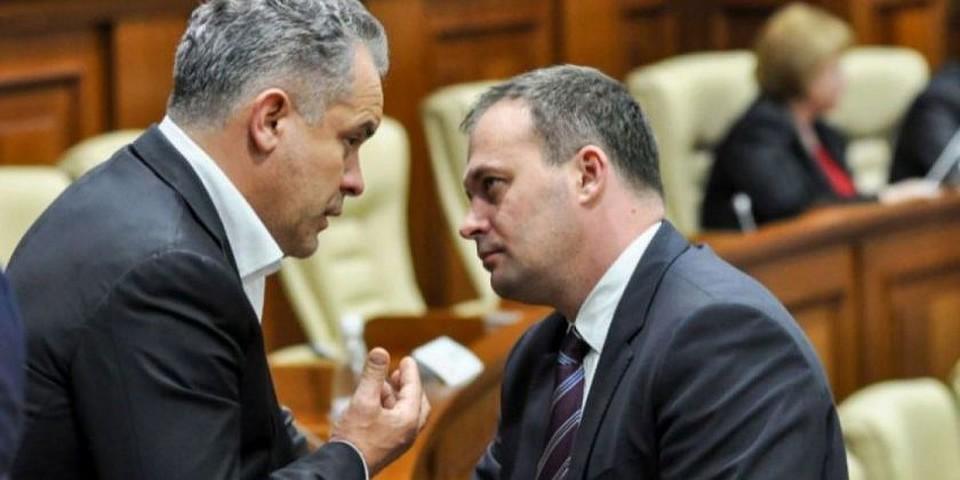 """""""Лучезарному"""" Плахотнюку придется смириться с судьбой и будущим приговором: """"вы выкачивали миллиард из Молдовы, а не Москва"""""""