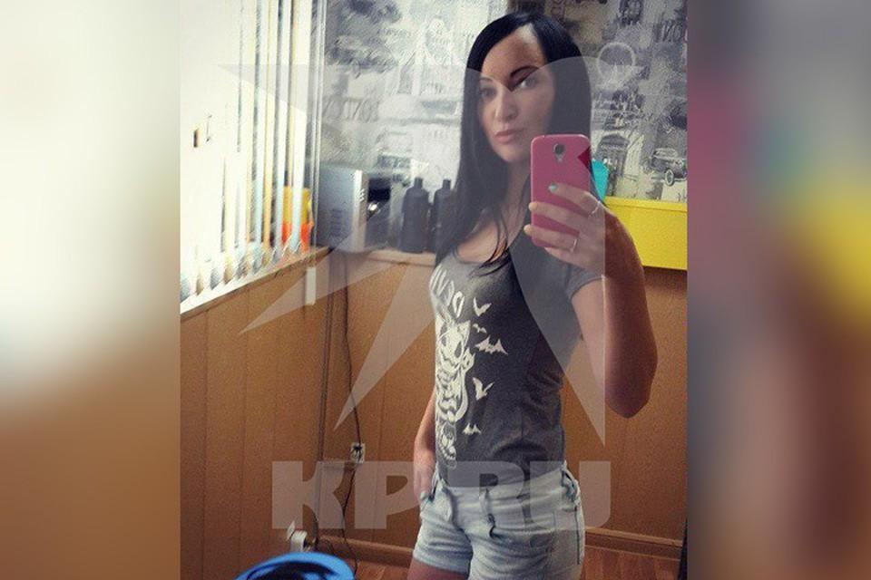 29-летняя Майя Майер работает мастером-стилистом и воспитывает двоих детей - 12 летнего сына и двухмесячную дочку.