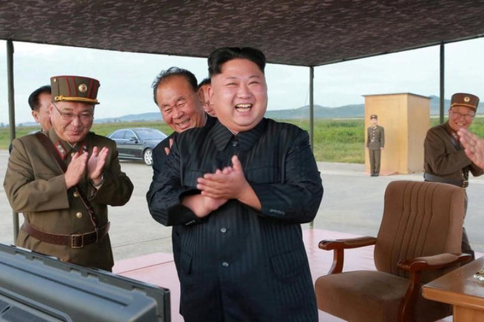 Лидер КНДР Ким Чен Ын остался доволен проведенными испытаниями