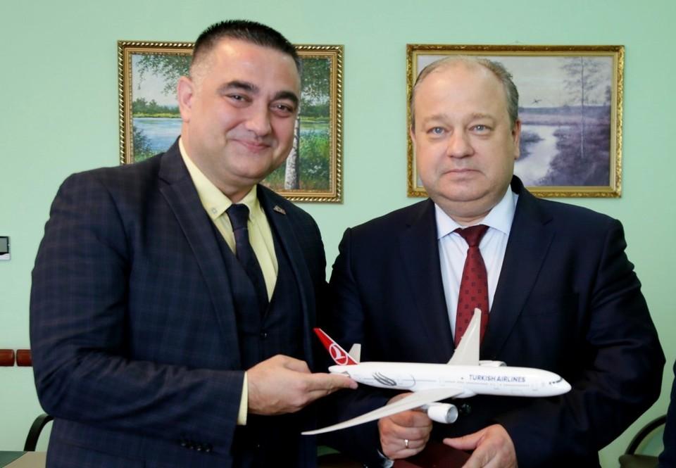 Руководство Turkish Airlines, которая выполняет рейсы в 126 стран мира, оценивает якутское направление как очень перспективное.