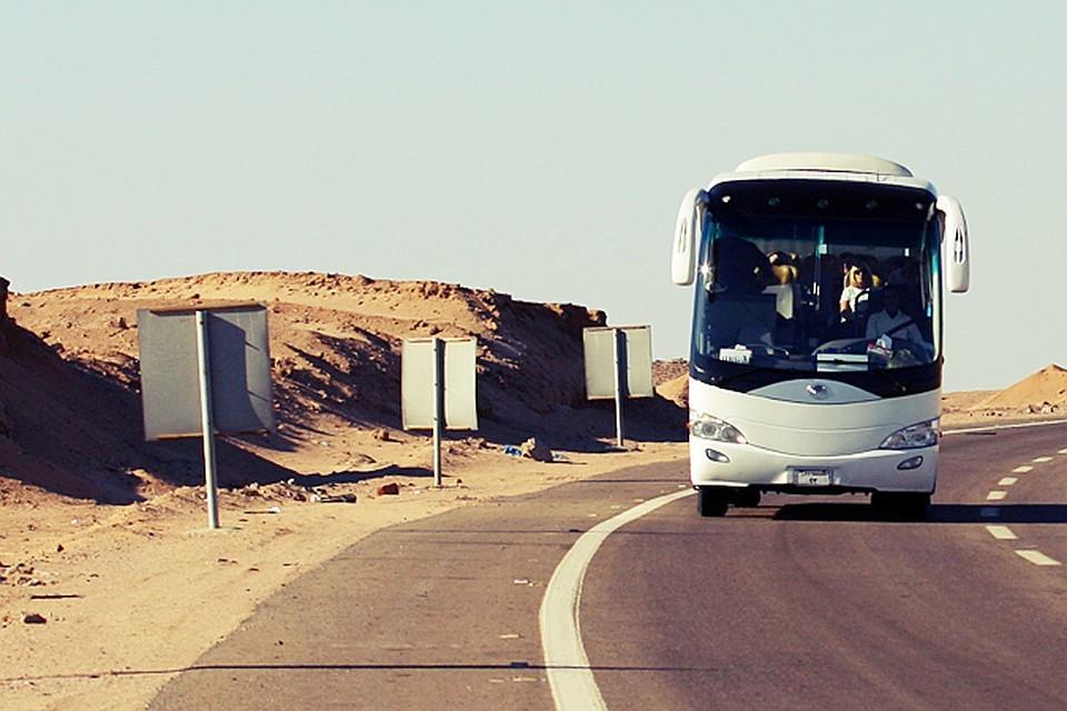 В Греции загорелся туристический автобус