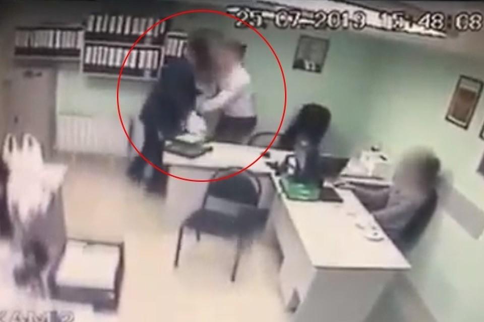 В Ставрополе мстительный пенсионер бросился с ножом на своего начальника