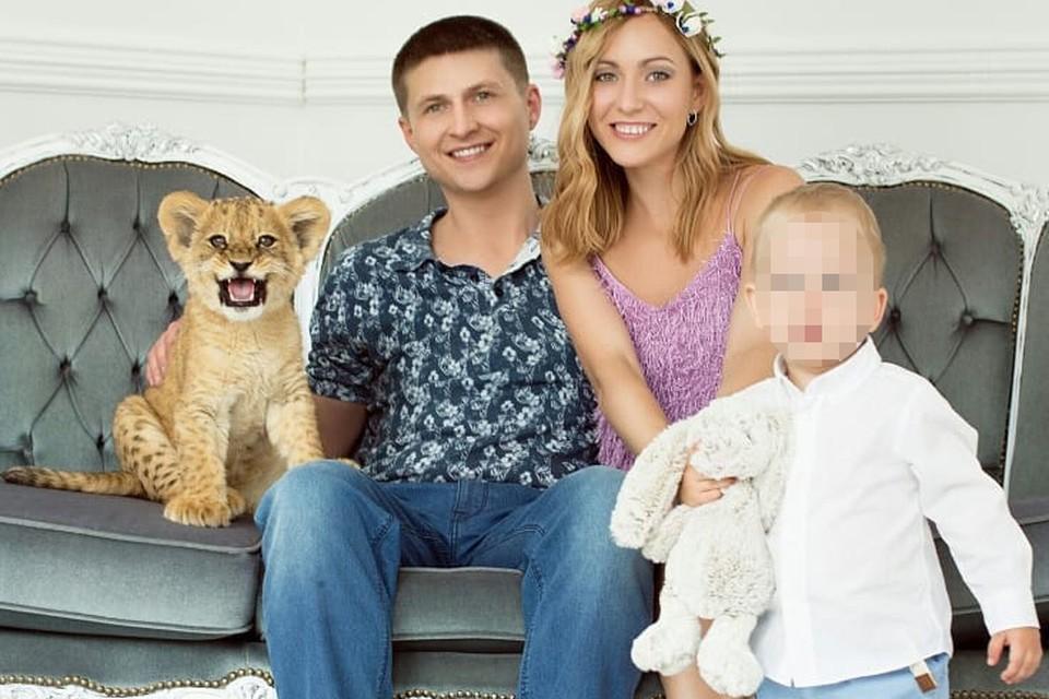 Вместе с Данилом Виктория растит сына.