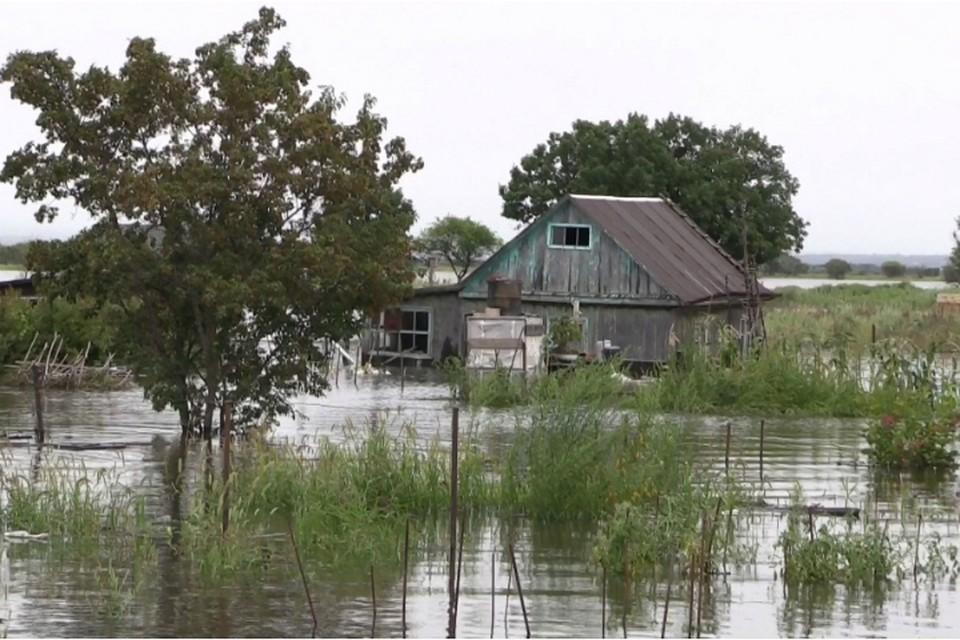 Отчаянных дачников экстренно эвакуировали из зоны подтопления в пригороде Хабаровска
