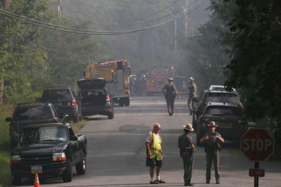 Полиция перекрыла дорогу к месту крушения