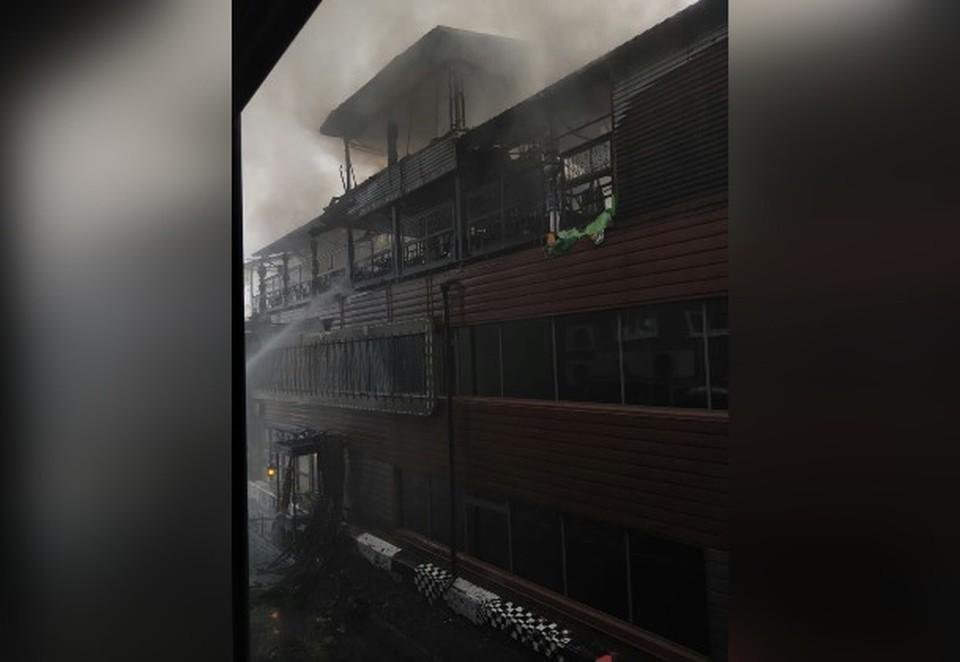 Пожар в ресторане потушили.