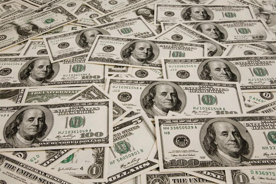 Всего Российской Федерации должны 40 миллиардов долларов.